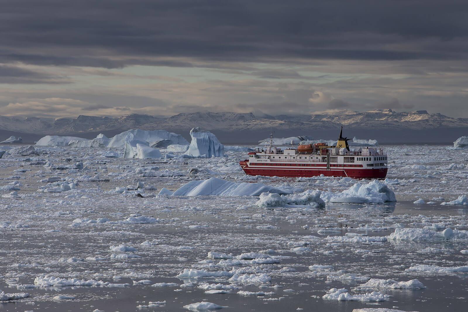 ship sea ice arctic pollution